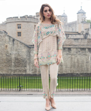 beige overlaped sleeves